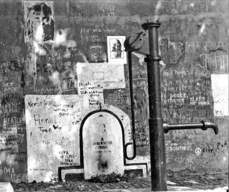 Muro de John Lennon 1981